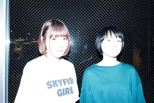 左から:アユニ・D、田渕ひさ子