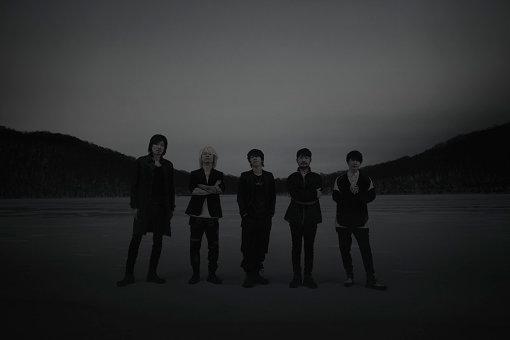 the HIATUSアーティスト写真<br>左から:ウエノコウジ、masasucks、細美武士、柏倉隆史、伊澤一葉