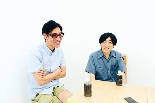 左から:小宮山雄飛(ホフディラン)、サカモトヨウイチ(ELEKIBASS)