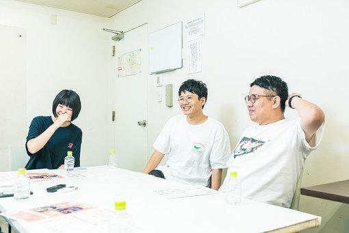 左から:山田泰葉、亜生、昴生