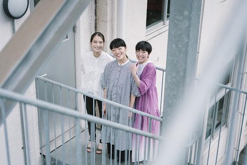左から:山田由梨、大竹このみ、田島ゆみか