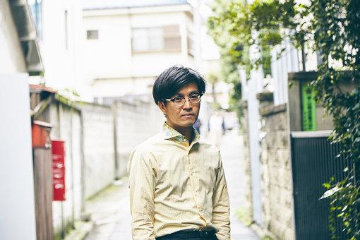 山川陸(やまかわ りく)<br>1990年生まれ。松島潤平建築設計事務所を経て、東京藝術大学美術学部教育研究助手。建築意匠を介した非言語情報の読み取りを関心として活動する。演劇カンパニー「新聞家」の美術制作、「Whenever Wherever Festival」(18-19)の空間設計も手がける。