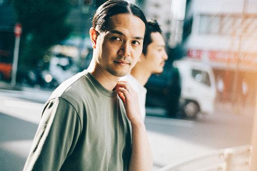 武田信幸(たけだ のぶゆき)<br>2003年結成、4人組インストロックバンド・LITEのギタリスト。LITEとして今までに5枚のフルアルバムをリリース。独自のプログレッシブで鋭角的なリフやリズムからなる、エモーショナルでスリリングな楽曲は瞬く間に話題となり、アメリカのインディレーベル「Topshelf Records」と契約し、アメリカ、ヨーロッパ、アジアなどでもツアーを成功させるなど国内外で注目を集める。2019年6月5日には6thアルバム『Multiple』をリリース。同年9月、アプリケーション「The Room」を発表した。