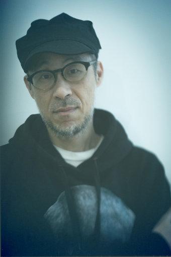 田中宗一郎(たなか そういちろう)<br>編集者、音楽評論家、DJ。1963年、大阪府出身。雑誌『rockin'on』副編集長を務めたのち、1997年に音楽雑誌『snoozer』を創刊。同誌は2011年6月をもって終刊。2013年、小林祥晴らとともに『The Sign Magazine』を開設し、クリエイティブディレクターを務める。自らが主催するオールジャンルクラブイベント『club snoozer』を全国各地で開催している。Spotifyプレイリスト「POP LIFE」の選曲、『POP LIFE: The Podcast』の制作出演。