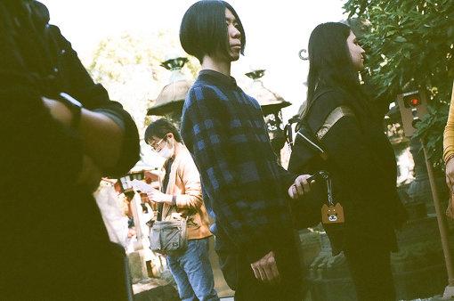 People In The Box(ぴーぷる いん ざ ぼっくす)<br>2005年に結成した3ピースバンド。2008年に福井健太(Ba)が加入し、現在のメンバーで活動し始める。3ピースの限界にとらわれない、幅広く高い音楽性と、独特な歌の世界観で注目を集めている。2019年9月7日に7thアルバム『Tabula Rasa』をリリース。
