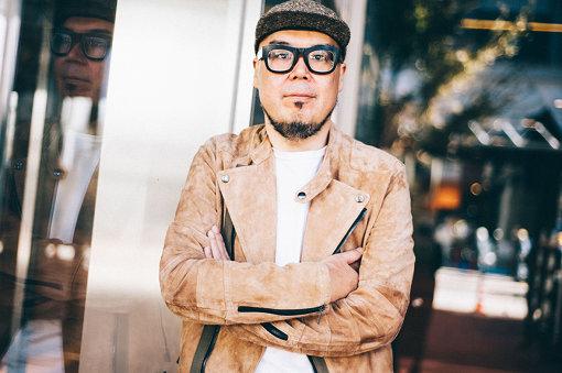 田中知之(たなか ともゆき)<br>DJ/プロデューサーとして国内外で活躍。1997年『The Fantastic Plastic Machine』でデビュー以降、8枚のオリジナルアルバムをリリース。リミキサーとしても、FATBOYSLIM、RIP SLYME、布袋寅泰、くるり、UNICORN、サカナクション、Howie Bなど100曲以上の作品を手掛ける。