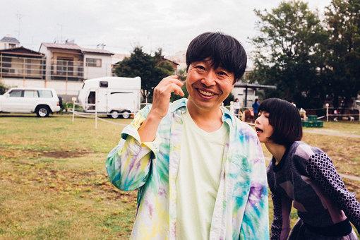 曽我部恵一(そかべ けいいち)<br>1971年生まれ、香川県出身。1994年、サニーデイ・サービスのボーカリスト・ギタリストとしてメジャーデビュー。2001年よりソロとしての活動をスタート。2004年、メジャーレコード会社から独立し、東京・下北沢に「ROSE RECORDS」を設立。精力的なライブ活動と作品リリースを続け、執筆、CM・映画音楽制作、プロデュースワーク、DJなど、多岐にわたって活動を展開中。曽我部恵一と後藤まりこ『結婚しようよ』を7インチシングルとして2019年11月15日にリリースする。