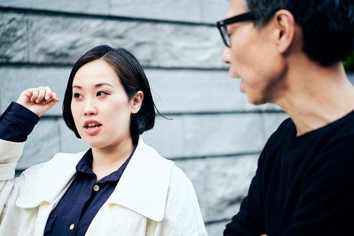 渡辺志保(わたなべ しほ)<br>音楽ライター。広島市出身。主にヒップホップ関連の文筆や歌詞対訳に携わる。これまでにケンドリック・ラマー、A$AP・ロッキー、ニッキー・ミナージュ、ジェイデン・スミスらへのインタヴュー経験も。共著に『ライムスター宇多丸の「ラップ史」入門」(NHK出版)などがある。block.fm「INSIDE OUT」などをはじめ、ラジオMCとしても活動中。
