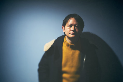 butaji(ぶたじ)<br>藤原幹によるソロユニット。幼稚園頃からバイオリンを習い始め、クラシックに親しむ。2018年に2ndアルバム『告白』をリリースし、七尾旅人を招いてリリースパーティーを開催。2019年12月、初のシングルとなる『中央線』を発表した。