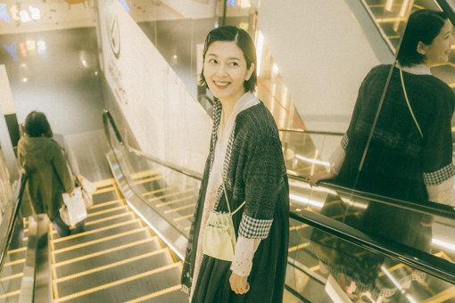 菊池亜希子<br>1982年岐阜県生まれ。女優・モデル。モデルとしてデビュー後、映画やドラマ、舞台など女優としても活躍の幅を広げる一方、著者としても活躍。現在、新刊「おなかのおと」(文藝春秋)が好評発売中。また、パーソナリティを務めるTBSラジオ「Be Style」(毎週土曜朝5:30~6:00)放送中。