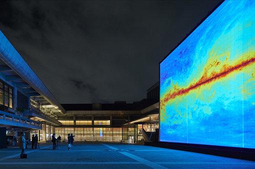 『KYOTO EXPERIMENT2016』での池田亮司『the radar [kyoto]』 / Photo by Takeshi Asano