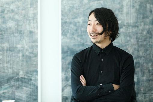 松倉早星<br>1983年北海道富良野生まれ。立命館大学産業社会学部卒業。東京・京都の制作プロダクションを経て、2011年末ovaqe inc.を設立。2017年7月より、プランニング、リサーチ、クリエイティブに特化したNue inc設立。代表取締役就任。これまで領域を問わないコミュニケーション設計、プランニング、戦略設計を展開し、国内外のデザイン・広告賞受賞多数。