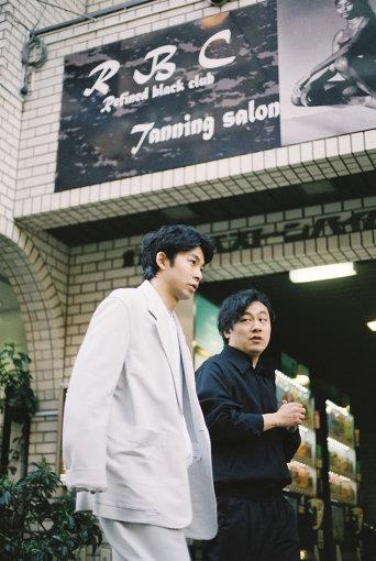 左から:仲野太賀、中川龍太郎