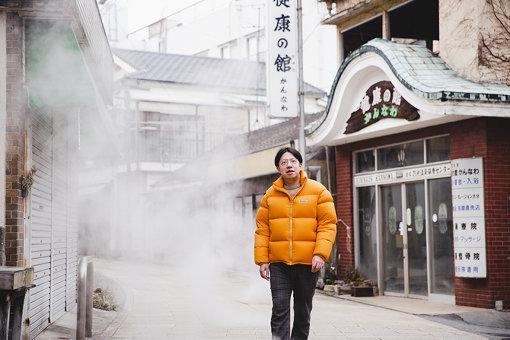 入江陽(いりえ よう)<br>1987年、東京都新宿区生まれ。現在は千葉市稲毛区在住。シンガーソングライター、映画音楽家、文筆家、プロデューサー、他。