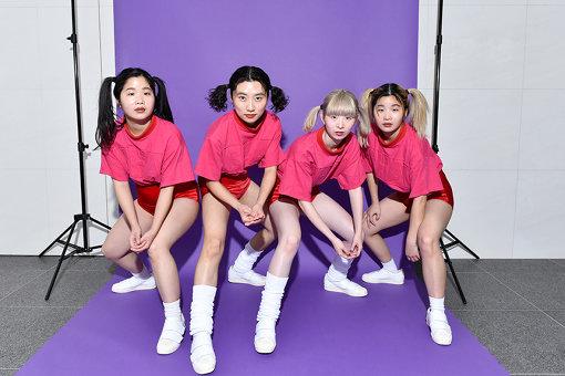 左から:カナ、ユナ、ユウキ、マナ