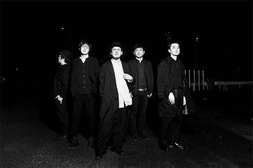 downy(左から:柘榴、秋山隆彦、青木ロビン、仲俣和宏、SUNNOVA)