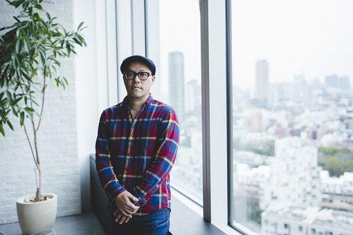 田中大輔(たなか だいすけ)<br>LINE RECORDS 事業プロデューサー。1976年神奈川県生まれ。大学卒業後、CD・レコードショップのバイヤーを経て、2002年ユニバーサルミュージック合同会社に入社。数々のアーティストのマーケティング・メディアプランナーを担当し、2015年LINE株式会社に入社。音楽ストリーミングサービス「LINE MUSIC」に従事、2017年3月に「LINE RECORDS」を発足。