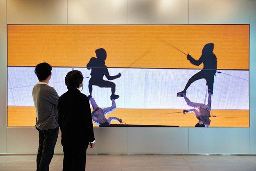 『Shadows as Athletes』が上映されている日本オリンピックミュージアムにて ©︎2020JOC