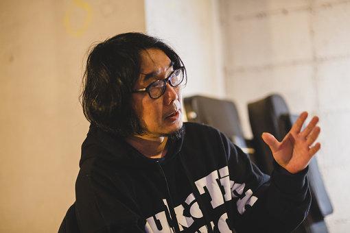 若林恵<br>1971年生まれ。編集者。ロンドン、ニューヨークで幼少期を過ごす。早稲田大学第一文学部フランス文学科卒業後、平凡社入社、『月刊太陽』編集部所属。2000年にフリー編集者として独立。以後、雑誌、書籍、展覧会の図録などの編集を多数手がける。音楽ジャーナリストとしても活動。2012年に『WIRED』日本版編集長就任、2017年退任。2018年、黒鳥社(blkswn publishers)設立。
