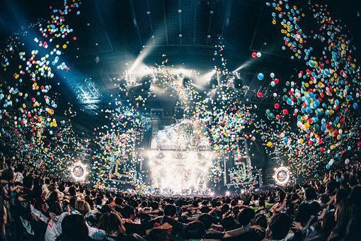 『VIVA LA ROCK 2019』STAR STAGEのグランドフィナーレ 撮影:小杉歩 ©VIVA LA ROCK 2019 All Rights Reserved