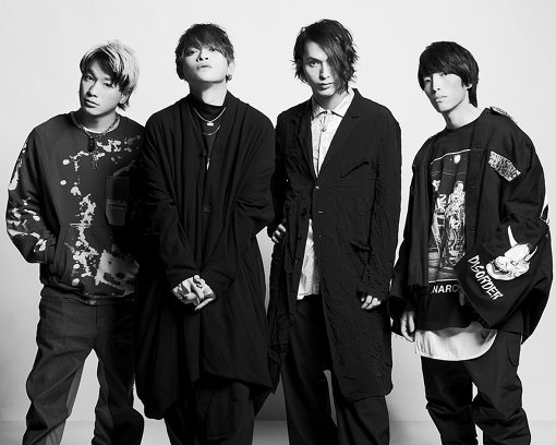 THE ORAL CIGARETTES、『Slowly but surely I go on』ルック