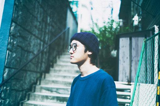 betcover!!(べっとかばー)<br>ヤナセジロウのソロプロジェクト。1999年生まれ、東京で風土を感じる多摩地区育ち。幼い頃からEarth, Wind & Fireなどソウルミュージックを聴いて過ごし、大人びた音楽指向と環境、才能と表現の狭間で揺れ動きながら、中学にあがる頃には創作をはじめる。2020年7月、2ndアルバム『告白』をリリース。