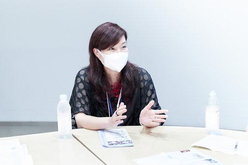 木村絵理子<br>横浜美術館・主任学芸員、『ヨコハマトリエンナーレ2020』企画統括