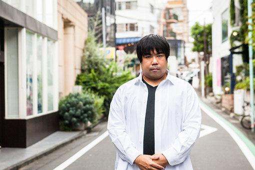 中川悠介(なかがわ ゆうすけ)<br>1981年東京生まれ。学生時代から取り組んでいたイベント運営経験を活かし、2007年アソビシステムを創業。原宿が生み出すポップカルチャーを世界に発信する一方、政府のクールジャパン戦略推進会議の構成員や、原宿初の観光案内所「MOSHI MOSHI BOX」の開設など多方面で活躍。きゃりーぱみゅぱみゅや中田ヤスタカ、増田セバスチャンらを世界に輩出したことでも知られる。