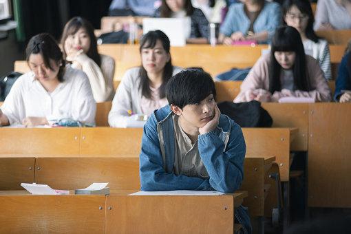 吉沢亮演じる、田端楓 / 『青くて痛くて脆い』 ©2020「青くて痛くて脆い」製作委員会