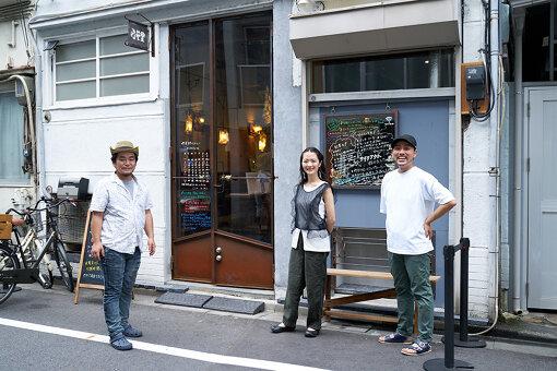 隅田公園から徒歩で2~3分。東京スカイツリーからも10分程度の場所に位置する「喫茶野ざらし」に到着
