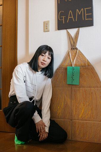 とんだ林蘭(とんだばやし らん)<br>1987年生まれ、東京を拠点に活動。コラージュ、イラスト、ぺインティング、立体、映像など、幅広い手法を用いて作品を制作する。猟奇的でいて可愛らしく、刺激的な表現を得意とし、名付け親である池田貴史(レキシ)をはじめ、幅広い世代の様々な分野から支持を得ている。