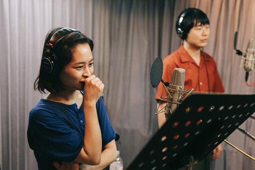 左から:真舘晴子、リ・ファンデ / 撮影:Daisuke Murakami