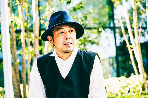 瀧口寿彦(たきぐち としひこ)<br>東京都多摩市出身。映画、TV-CM、TV番組、舞台等の監督をする傍ら地域活性化プロジェクトにも多数関わる。活動の様子はNHKにて数回特集され、来年の多摩市市制50周年に向けて実行委員会TAMA-BASEを結成し、様々な企画を展開中。
