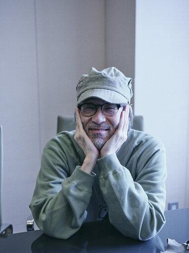 田中宗一郎(たなか そういちろう)<br>編集者、音楽評論家、DJ。1963年、大阪府出身。雑誌『rockin'on』副編集長を務めたのち、1997年に音楽雑誌『snoozer』を創刊。同誌は2011年6月をもって終刊。2013年、小林祥晴らとともに『The Sign Magazine』を開設し、クリエイティブディレクターを務める。自らが主催するオールジャンルクラブイベント、『club snoozer』を全国各地で開催している。Spotifyプレイリスト『POP LIFE』の選曲、『POP LIFE: The Podcast』の制作出演。