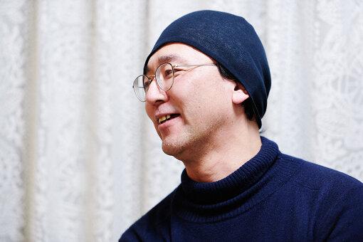 佐々木敦(ささき あつし)<br>文筆家。1964年、愛知県名古屋市生まれ。1995年、「HEADZ」を立ち上げ、CDリリース、音楽家招聘、コンサート、イベントなどの企画制作、雑誌刊行を手掛ける一方、映画、音楽、文芸、演劇、アート他、諸ジャンルを貫通する批評活動を行う。2001年以降、慶應義塾大学、武蔵野美術大学、東京藝術大学などの非常勤講師を務め、2020年、小説『半睡』を発表。