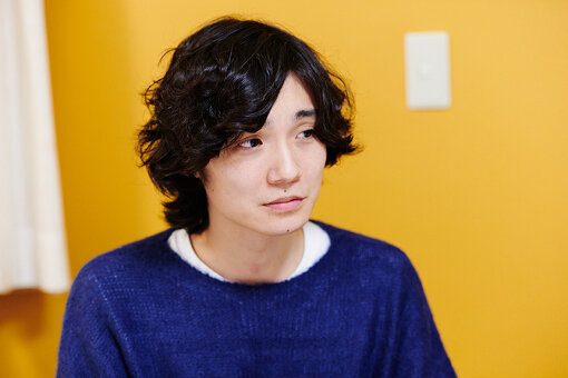 永井聖一(ながい せいいち)<br>1983年生まれ、東京都渋谷区出身。相対性理論のギタリストとして活躍を続ける。SMAPや家入レオへの楽曲提供のほか、Spangle call Lilli line『dreamer』、バレーボウイズなどのプロデュースワーク、ムーンライダーズ、Buffalo Daughterのリミックス、UNIQLOやキューピーなどのCM音楽を担当。演奏者としても高橋幸宏、布袋寅泰、DAOKOなど様々なミュージシャンと共演。相対性理論の近作に『調べる相対性理論』。