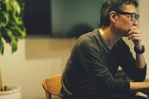 荏開津広(えがいつ ひろし)<br>執筆 / DJ / 京都精華大学、東京藝術大学非常勤講師。Port B『ワーグナープロジェクト』音楽監督。東京生まれ。東京の黎明期のクラブ、P.PICASSO、MIX、YELLOWなどでDJを、以後主にストリート・カルチャーの領域で国内外にて活動。