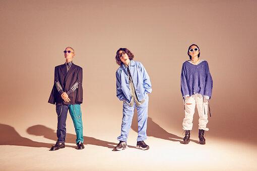 左から:John Natsuki、小原綾斗、AAAMYYY