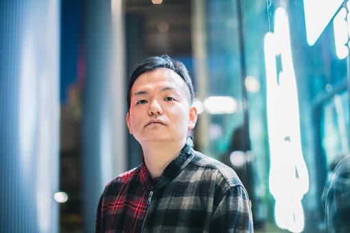 佐々木渉(ささき わたる)<br>1979年、札幌市生まれ。クリプトン・フューチャー・メディア株式会社、音声チームマネージャー。「初音ミク」歌声合成関連プロジェクトチーフプロデューサー。2005年、クリプトン・フューチャー・メディアに入社し,2007年、歌声合成ソフトウェア「初音ミク」の企画・開発を担当し大ヒット。その後,同社のVOCALOID製品や関連企画のプロデュースディレクションを手がける。