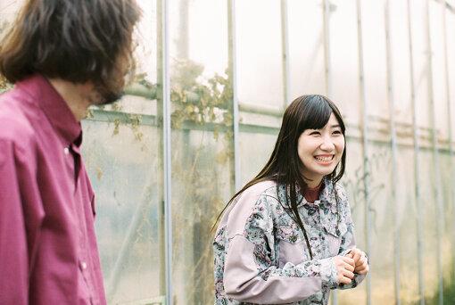 根本宗子(ねもと しゅうこ)<br>1989年生まれ。東京都出身。19歳で劇団・月刊「根本宗子」を旗揚げ。以降、劇団公演すべての企画、作品の脚本演出を手がけ、近年では外部のプロデュース公演の脚本、演出も手がけている。2015年に初めて岸田國士戯曲賞最終候補作品に選出。