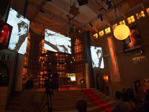 『第54回ヴェネチア・ビエンナーレ国際美術展』(2011年)でのドイツパビリオン。クリストフ・シュリンゲンズィーフによる展示 / 撮影:大西若人
