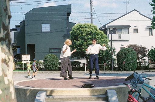左から:柴田聡子、吉開菜央