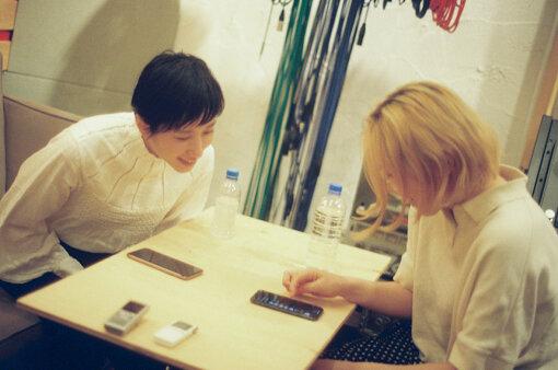 左から:吉開菜央、柴田聡子