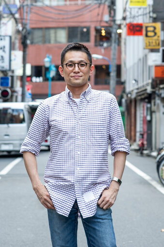 よしひろまさみち<br>映画ライター、編集者。1972年、東京都生まれ。ゲイ雑誌、音楽誌、情報誌などの編集部を経てフリーに。『sweet』などで編集、執筆をするかたわら、映画レビューやインタビューで『SPA!』、『oz magazine』、アプリ版『ぴあ』、『クロワッサン』など連載多数。日テレ系『スッキリ』で月イチの映画紹介を担当するほか、テレビ、ラジオ、Webの番組内で映画紹介も手掛ける。18歳からゲイと自認し、キャリア上でも隠すことなく活動。LGBTQ+テーマの映画を中心に、トークイベントにも多数出演。
