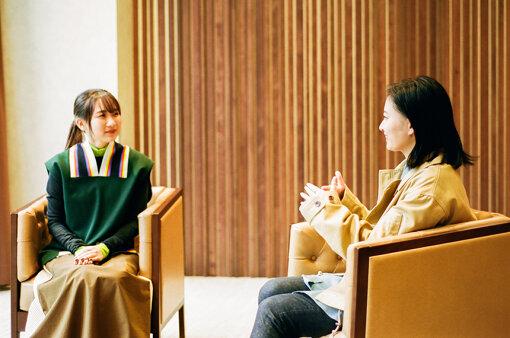 左から:幾田りら、佐藤千亜妃