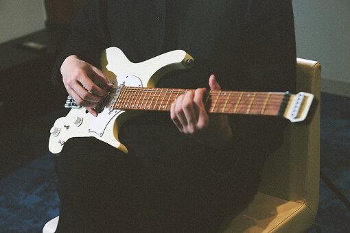 歴史あるギターブランドIbanezと、日本人アーティストとして初めてシグネチャー契約を結び、発売されたモデル「ICHI10」