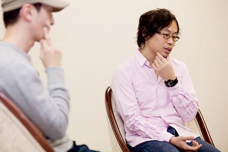 左:小泉篤宏