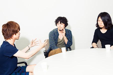 左から:飯田瑞規(cinema staff)、海北大輔(LOST IN TIME)、三島想平(cinema staff)