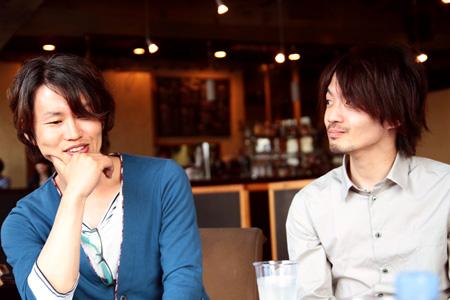 左から:藤井都督、吉岡哲志