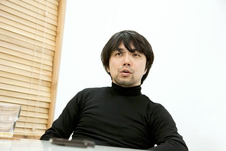 保坂健二朗